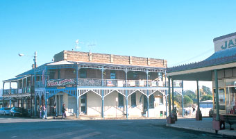 Note the kink in the Commercial Hotel building to the left of the photo corner of Mayne and Herbert Streets, Gulgong